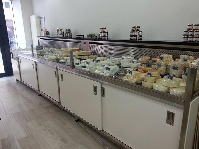 vitrine réfrigérée fromagerie